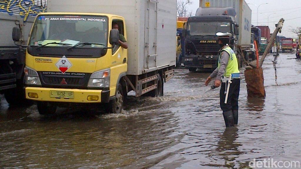 Ditetapkan sebagai Darurat Bencana, Begini Kondisi dan Efek Banjir Rob di Semarang