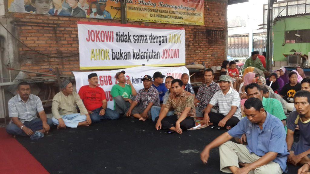 Takut Digusur Ahok, Warga Tanah Merah Deklarasi Dukung Risma