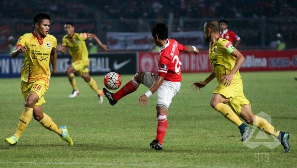 Rusuh, Laga Persija vs Sriwijaya FC Dihentikan