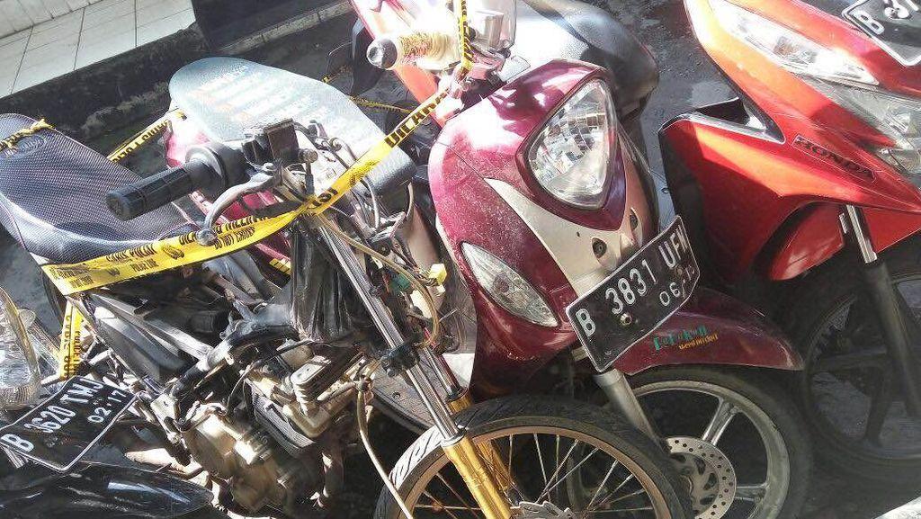 Polisi Tangkap 2 Orang Pencuri Motor di Pulogebang
