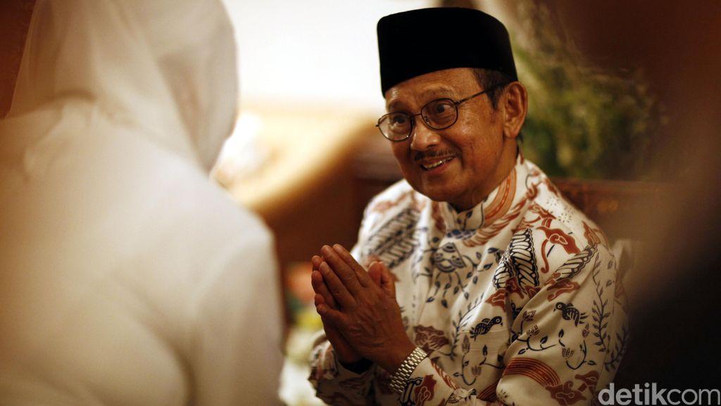 BJ Habibie, Amien Rais dan Ketua KPK Hadiri Halalbihalal Organisasi Islam
