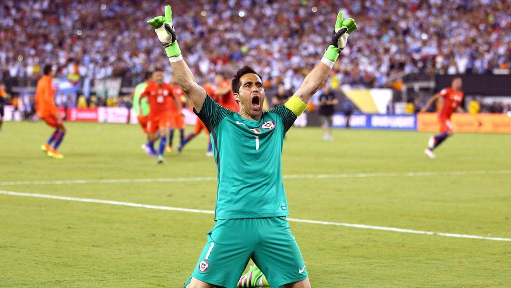 Bravo Tak Bisa Menolak Kesempatan Bekerja di Bawah Guardiola