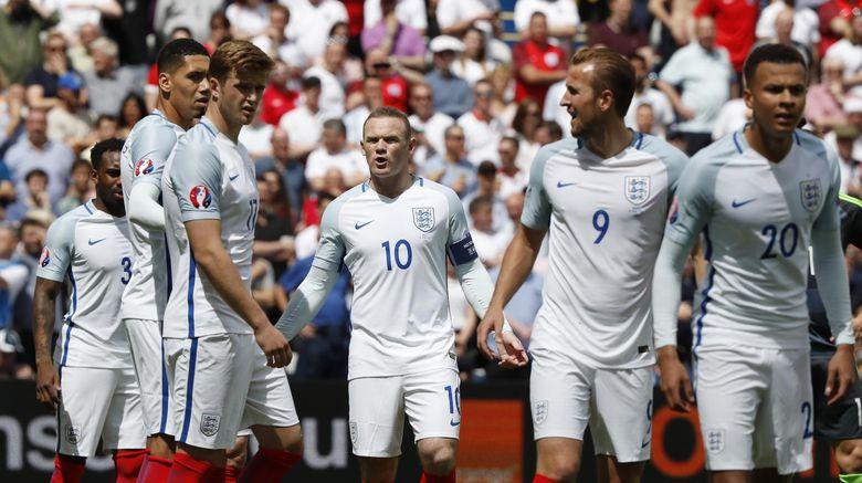 Hodgson Tak Ingin Inggris Jadi Tim Yang Buang-Buang Waktu