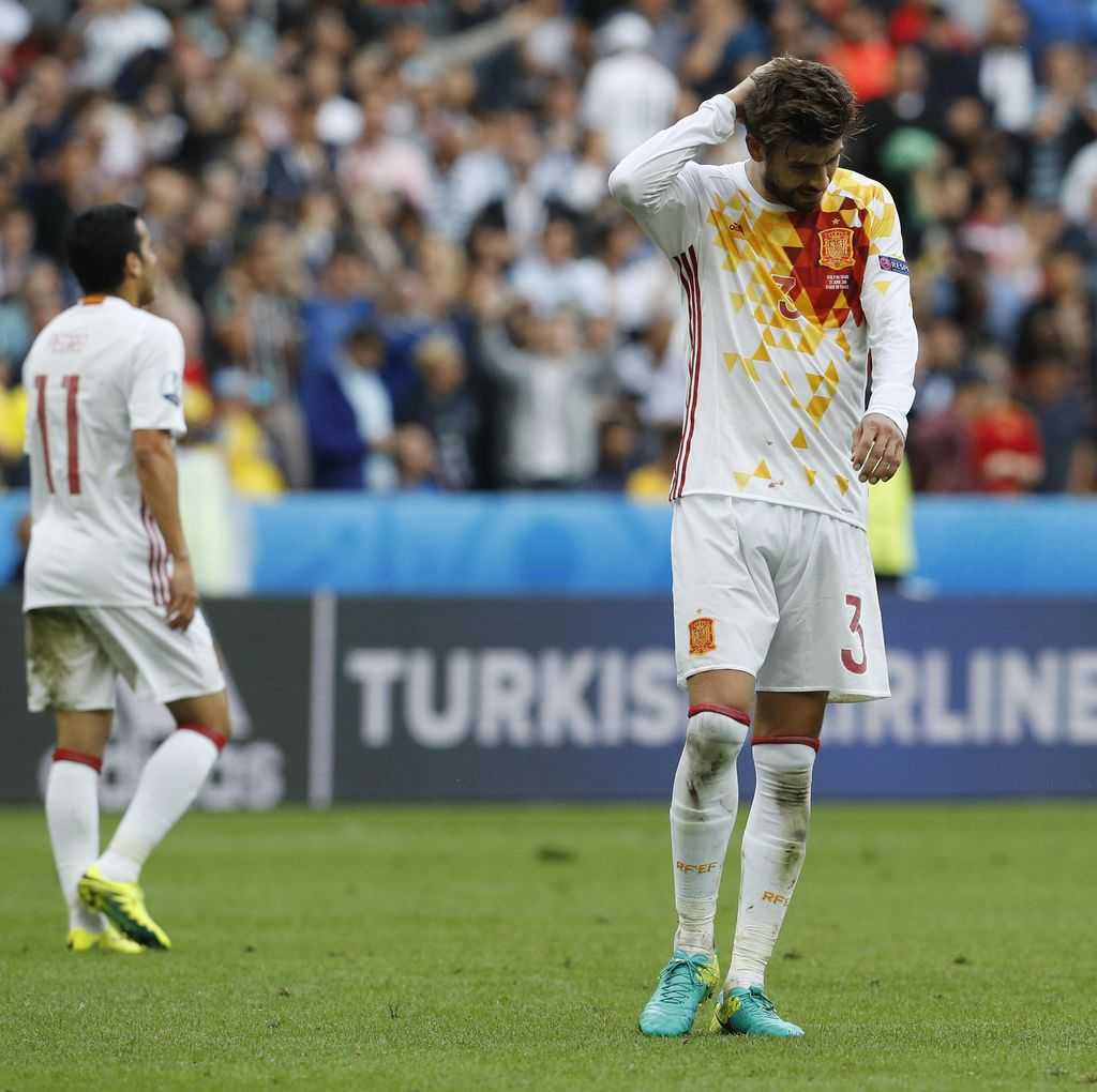 Pique: Sudah Tak Efektif, Gaya Main Spanyol Perlu Direnungkan Lagi