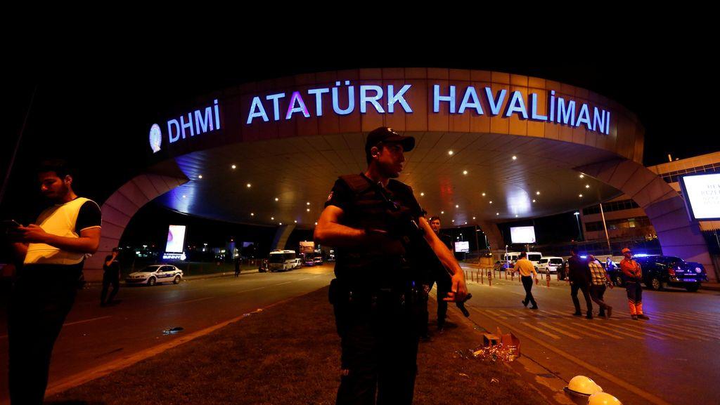 PM Turki Tuding ISIS Dalangi 3 Bom Bunuh Diri di Bandara Istanbul