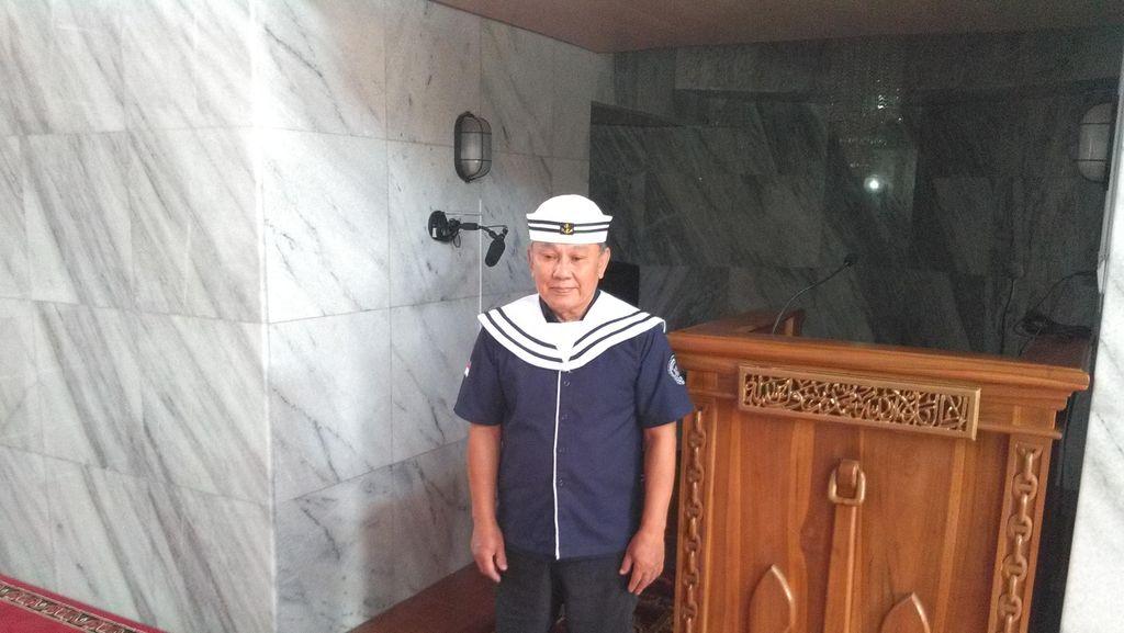 Pengurus DKM Masjid Kapal Cimahi Berseragam Seperti Popeye