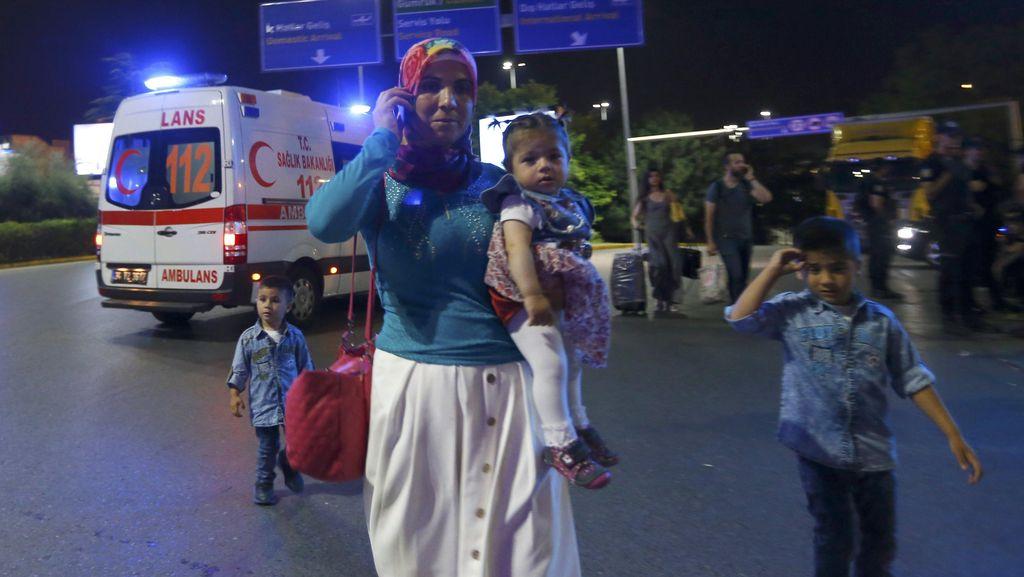 Kepanikan dan Korban Luka Bom Turki