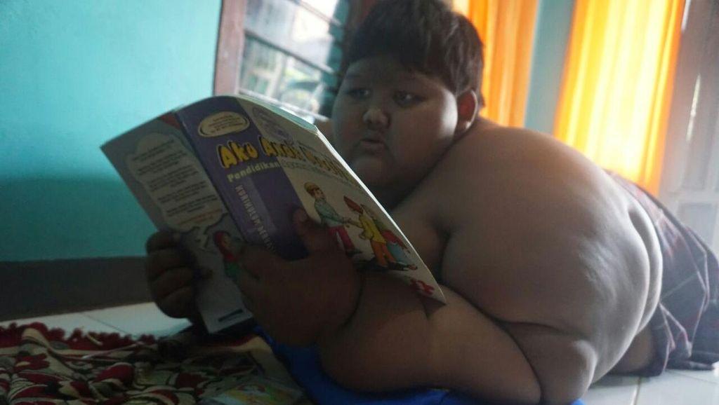Kenalkan Ariya, Bocah 10 Tahun Berbobot 188 Kg di Karawang