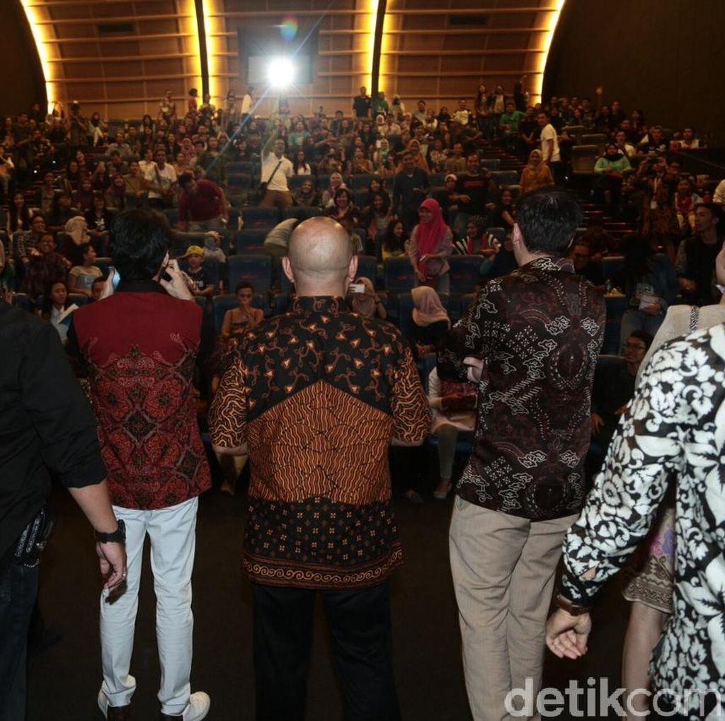 Pecah! Ribuan Orang Seru-Seruan Bareng Bintang Rudy Habibie di Yogyakarta