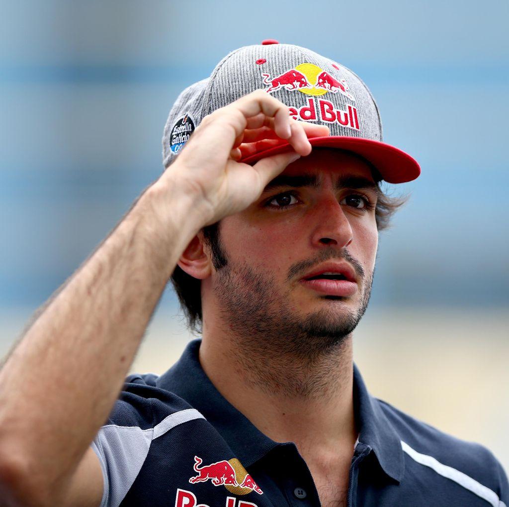 Carlos Sainz Tetap di Toro Rosso Musim Depan