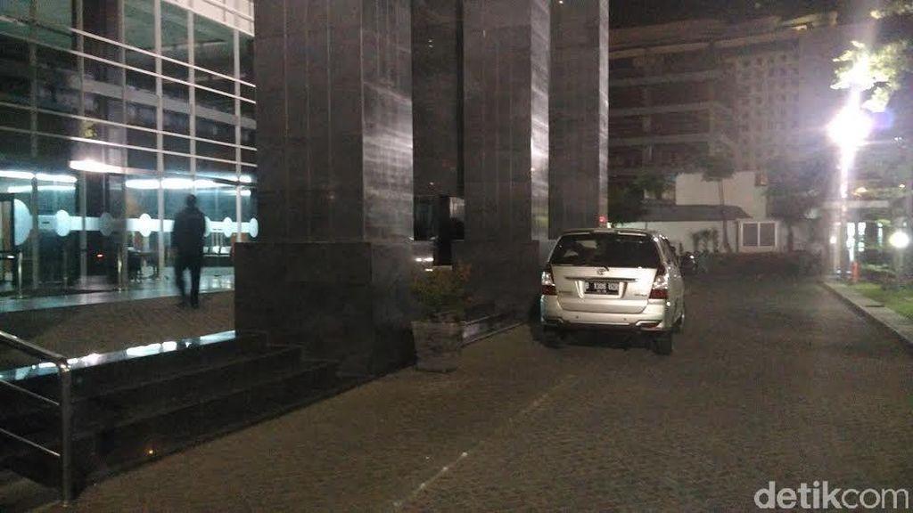 Tim KPK Tiba di PN Jakpus untuk Segel Ruang Panitera