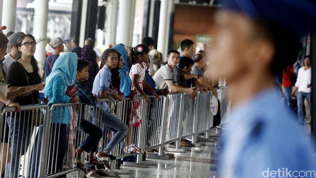 Bawa Senpi ke Bandara Soekarno-Hatta, Penumpang Pesawat Diamankan Polisi