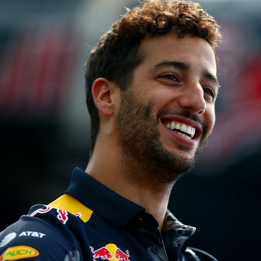 Tak ke Ferrari, Ricciardo Pilih Bertahan di Red Bull