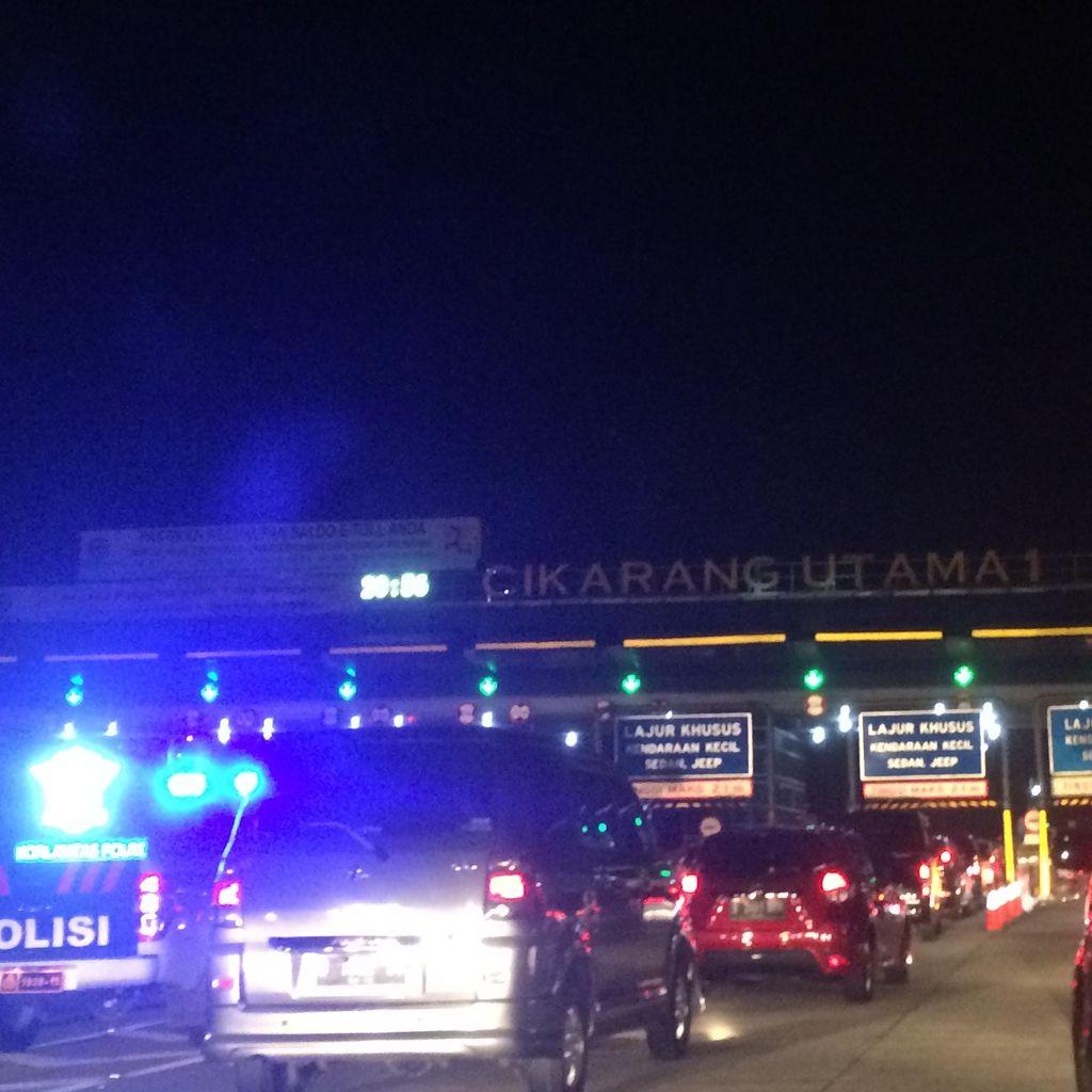 Macet, Kendaraan Merayap 20 Km/Jam Selepas GT Cikarang Utama