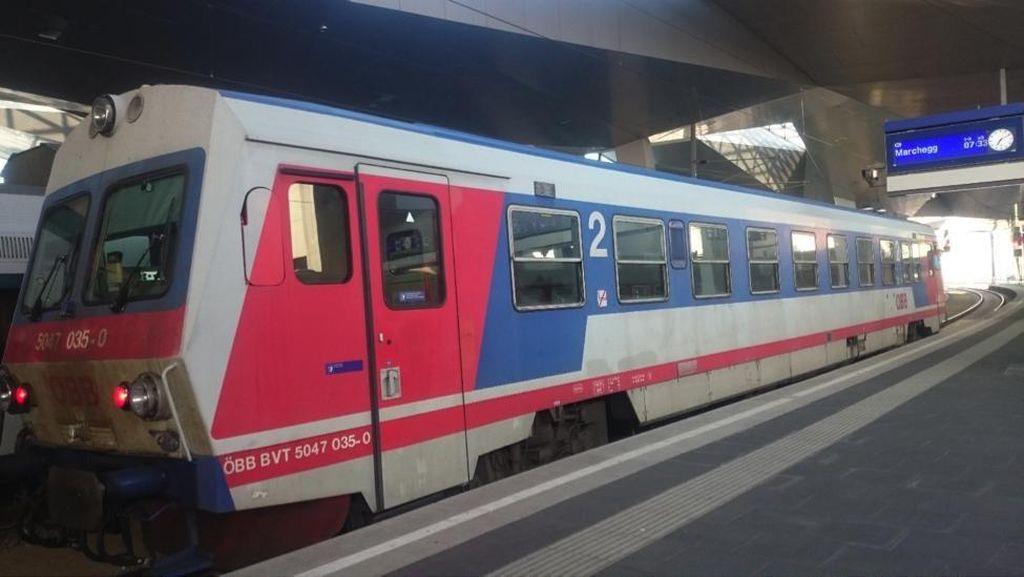2 Sisi Mata Pisau Transportasi Publik di Wina
