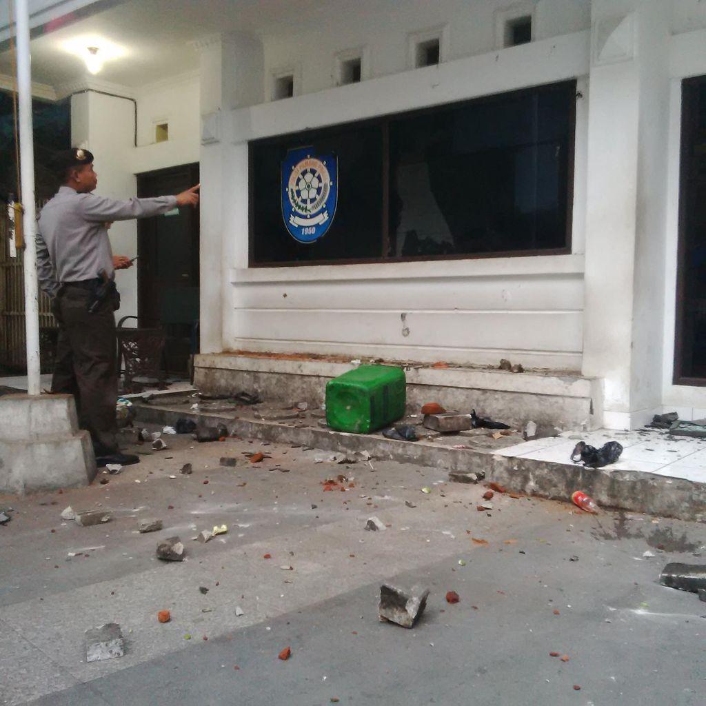 Ridwan Kamil Sesalkan PKL Serang Markas Satpol PP