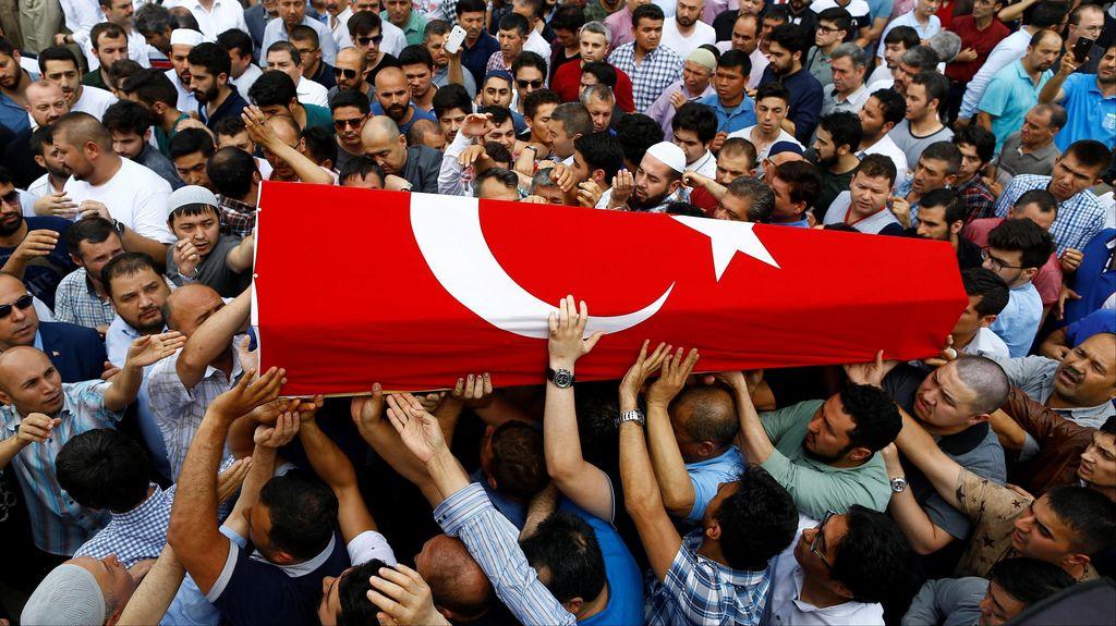 Korban Bom Turki Mulai Dimakamkan