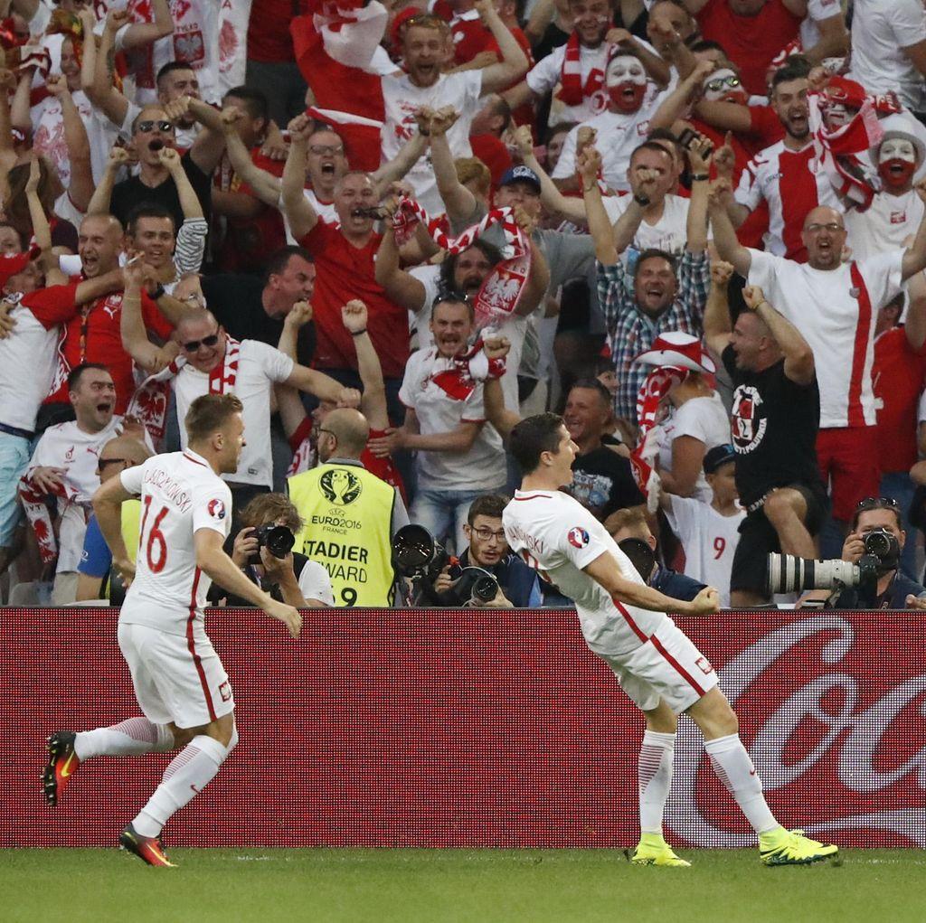 Masih Sama Kuat 1-1, Portugal Lawan Polandia Lanjut ke Extra Time