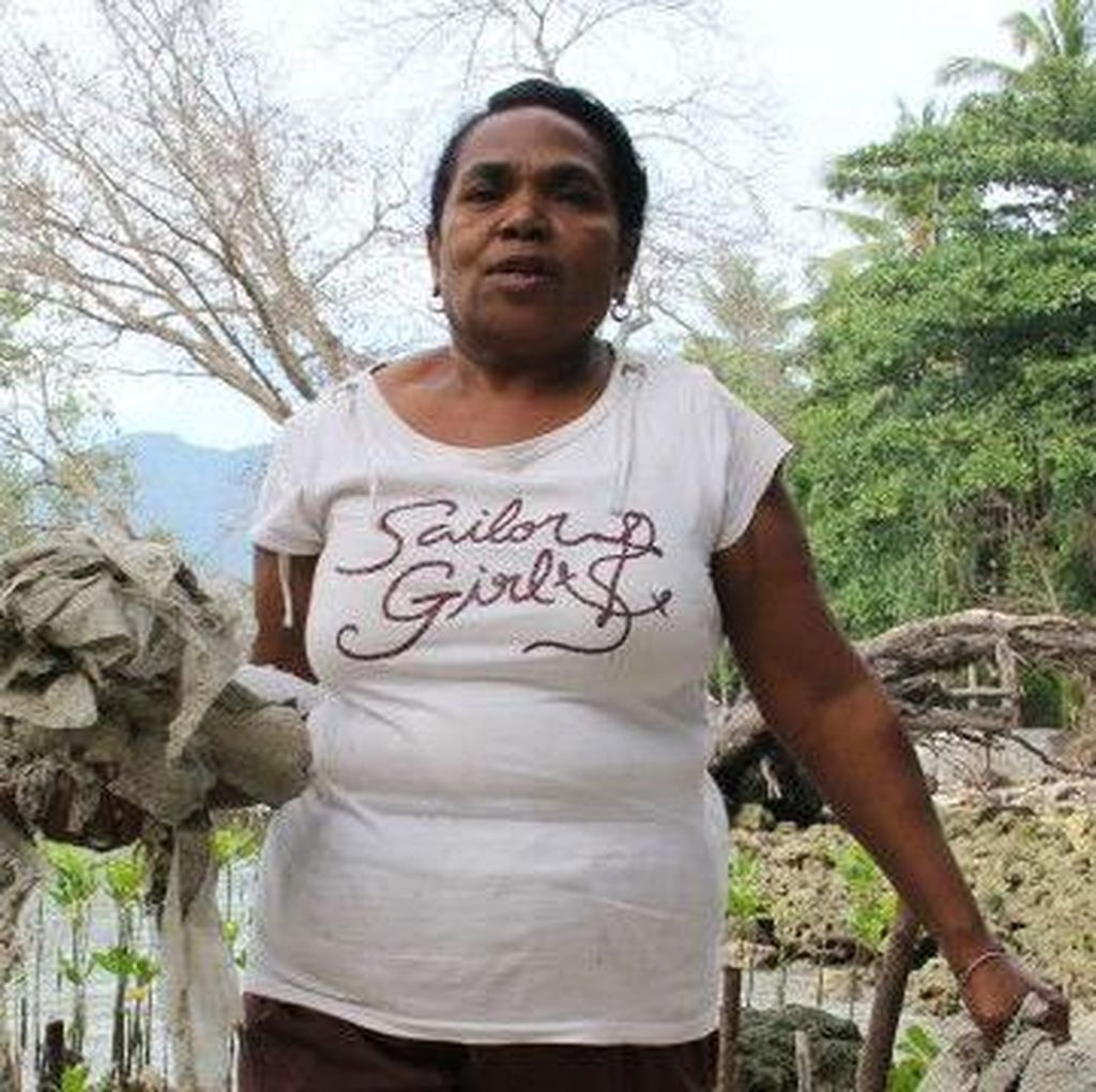 Martha Lotang, Perempuan Penanam Bakau dari Pulau Alor