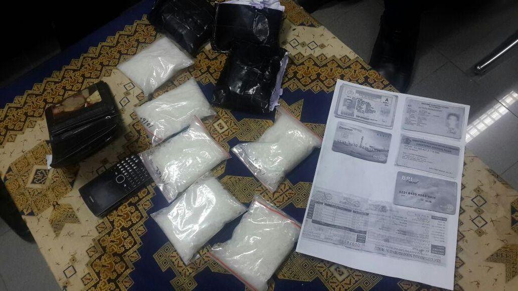 Simpan Sabu 1,5 Kg di Celana Dalam, Seorang Pria Dibekuk di Bandara Kualanamu