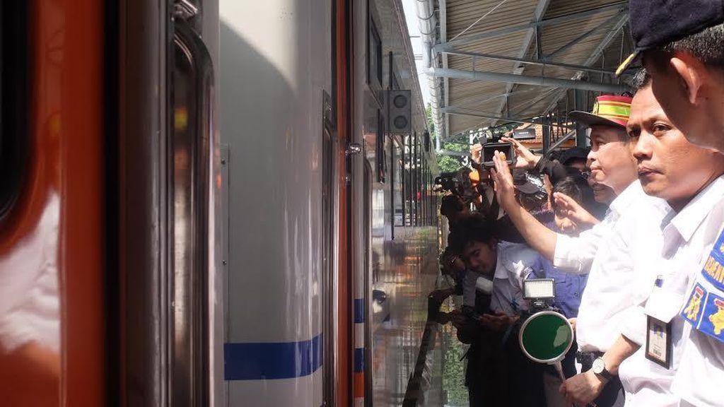 Menhub: Saya Harap Tidak Ada Kereta Api Ekonomi di Atas 30 Tahun pada 2019