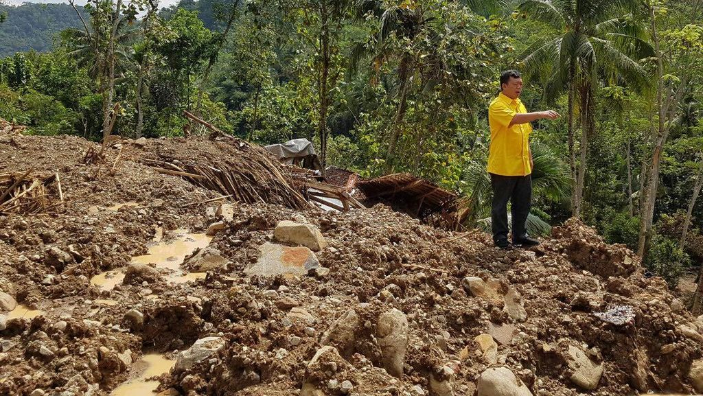 Jelang Lebaran, DPP Golkar Kunjungi Korban Bencana di Purworejo