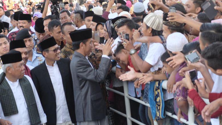 Berlebaran di Padang, Jokowi: Saya Melihat Keramahtamahan Masyarakat