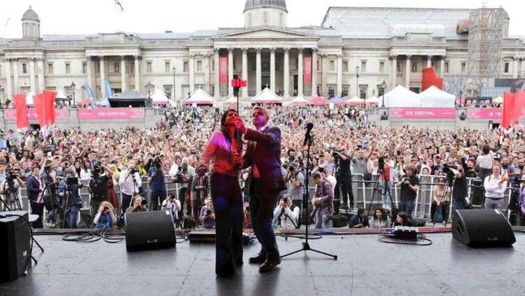 Meriahkan Lebaran, Wali Kota London Ajak Selfie Ribuan Orang di Trafalgar Square