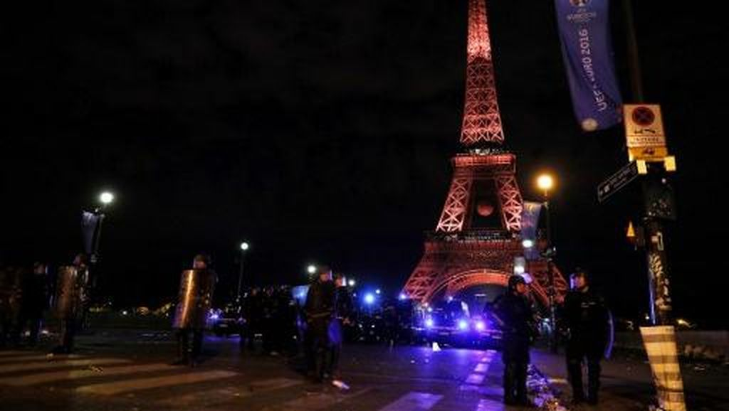 Wanita Prancis Diperkosa Bergiliran di Dekat Menara Eiffel