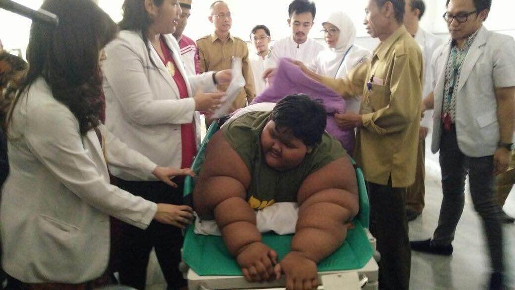 Keukeuh Ingin Pergi ke Sekolah, Arya Bocah 186 Kg Pulang dari RSHS