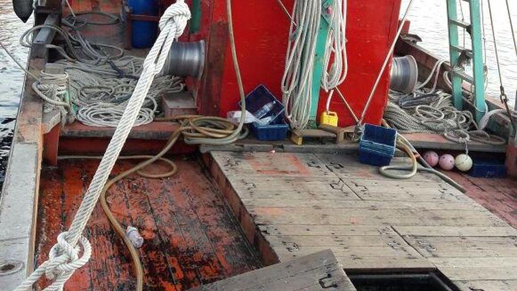 Diduga Tangkap Ikan Secara Ilegal, Kapal Berbendera Malaysia Ditangkap