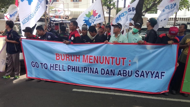 Buruh Demo Kedubes Filipina di Menteng, Minta ABK yang Disandera Dibebaskan