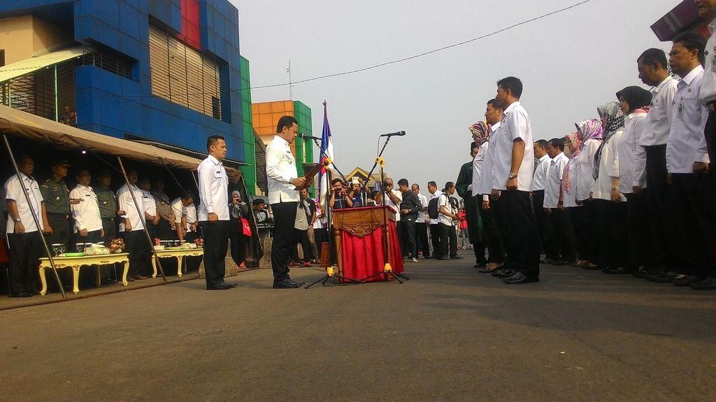 Ajak Bawahan ke Lapangan, Wali Kota Bogor Lantik Pejabat Baru di Pasar