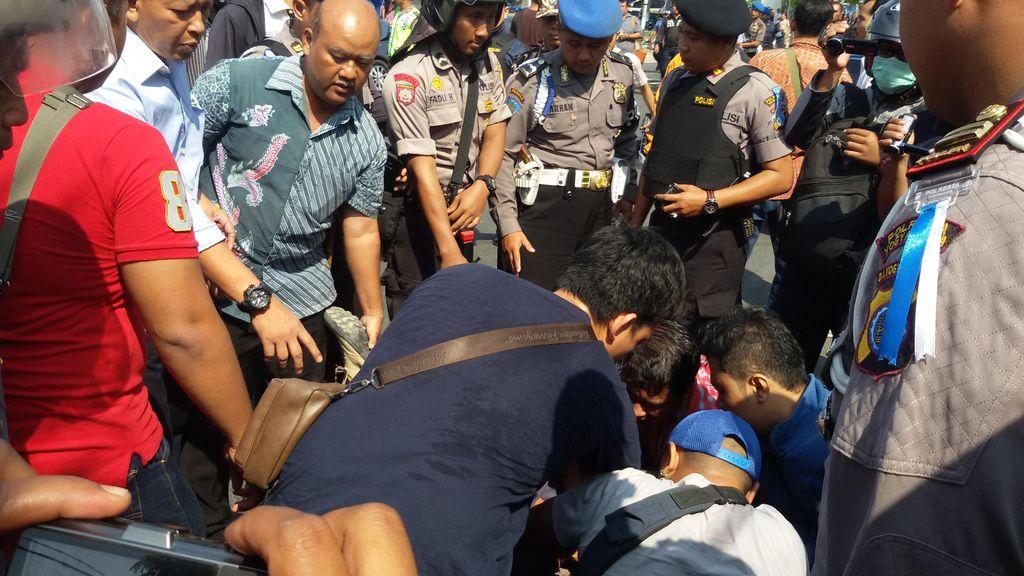 Pukul Polisi dan Tak Kooperatif saat Ditanya, 9 Mahasiswa di Yogya Diamankan