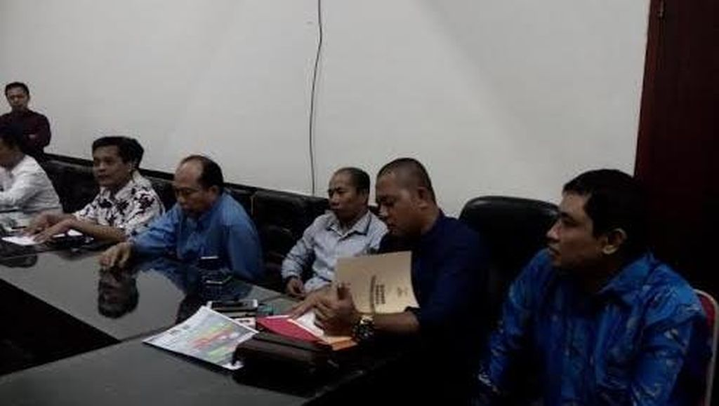 Tiga Komisioner Ditahan, Bawaslu Jatim Vakum