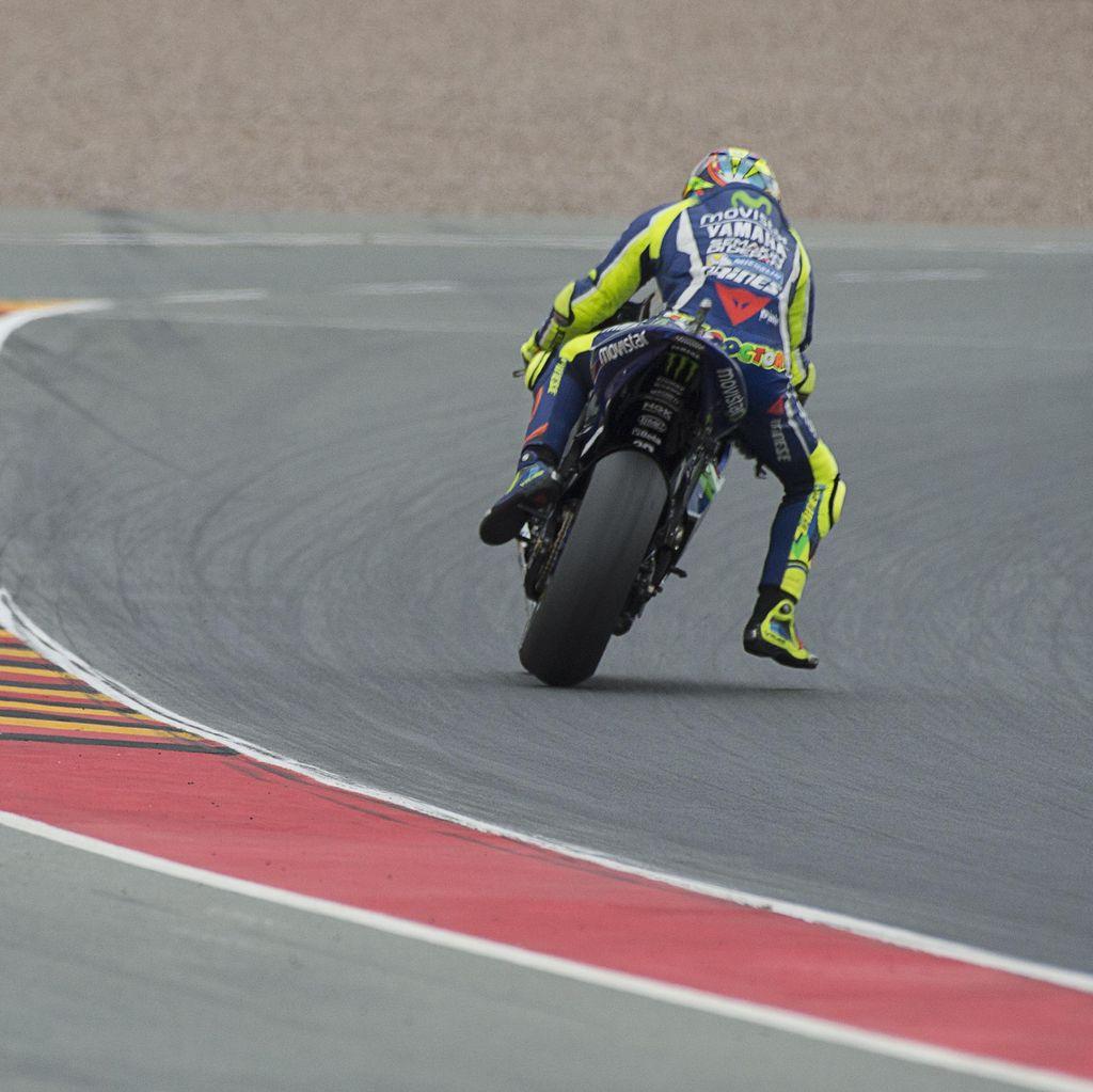 Rossi Akui Beruntung Bisa Start di Baris Terdepan