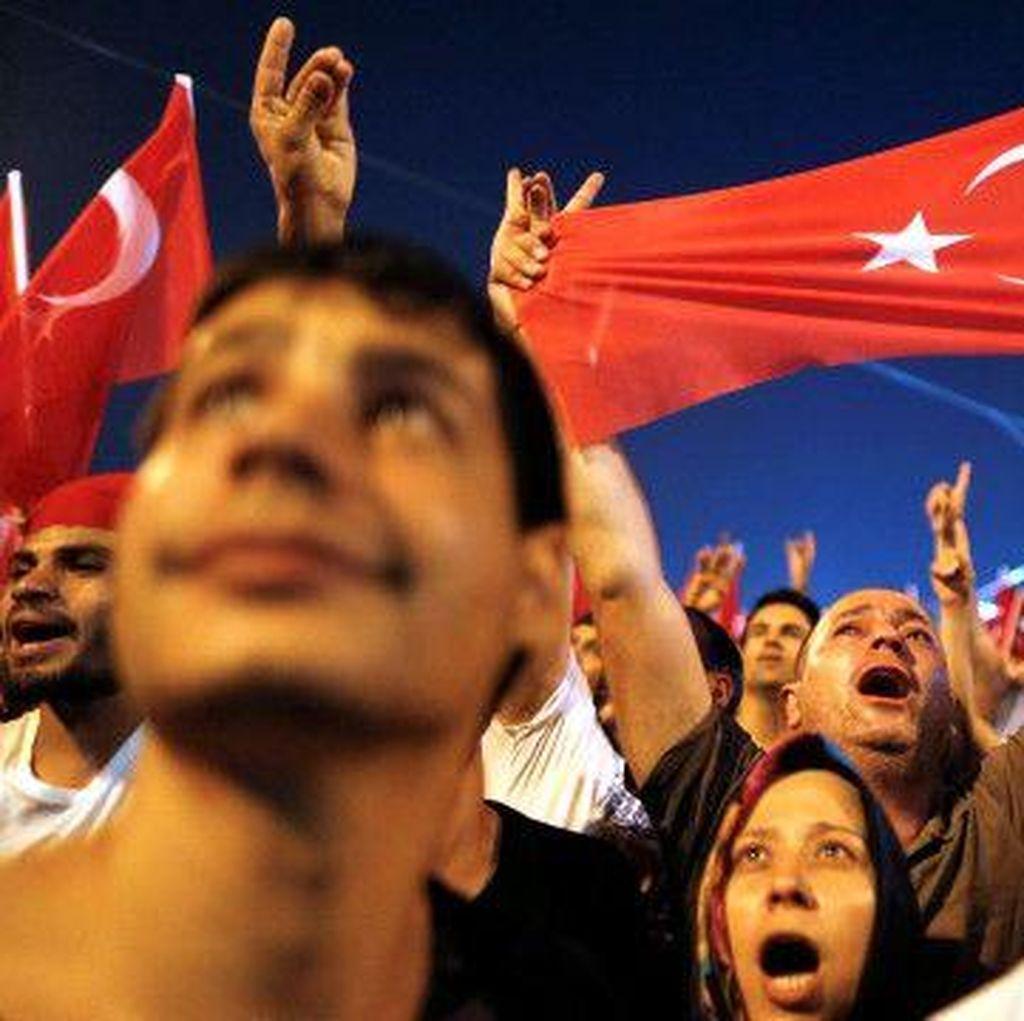 Pawai Demokrasi Digelar di Turki Usai Kudeta yang Gagal