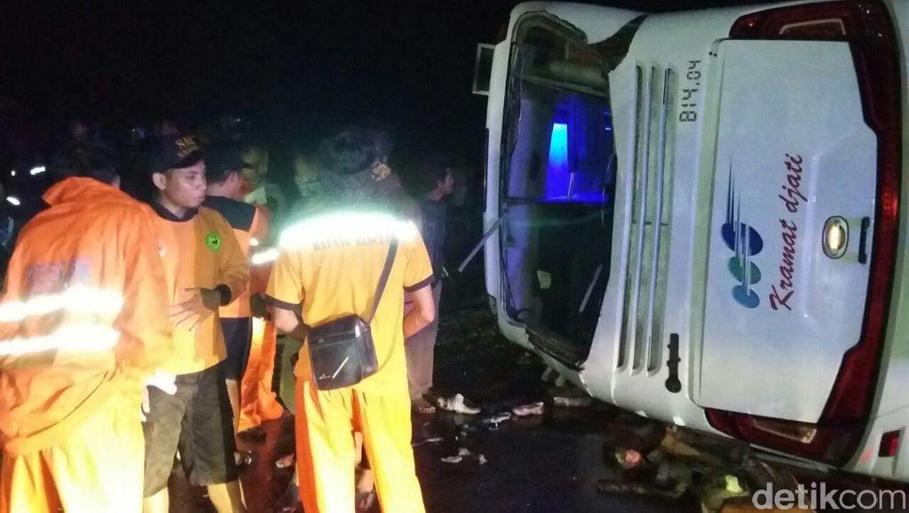 Polisi: Sebagian Korban Luka Tabrakan Bus dengan Truk di Batang Sudah Pulang