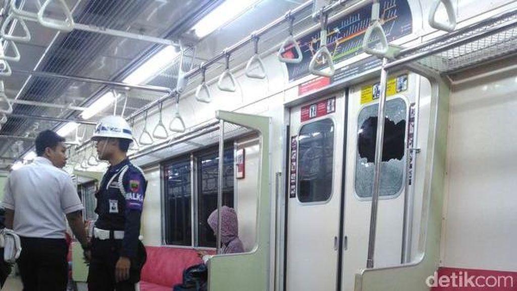 Kaca Gerbong Wanita KRL Pecah Dilempar Batu Saat Masuk Stasiun Citayam