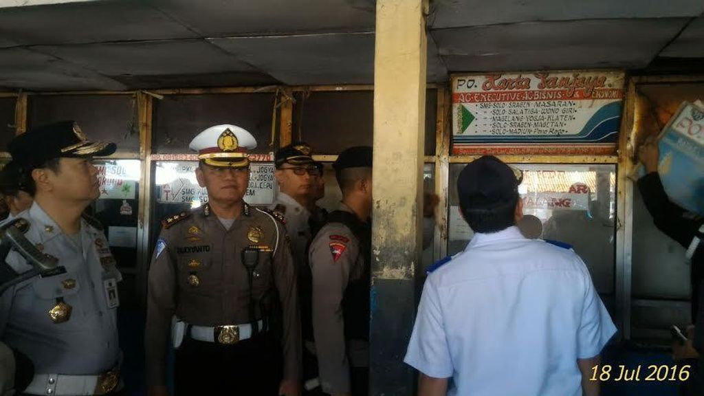 Penertiban Bus AKAP di Terminal Pulogadung Mendapat Perlawanan