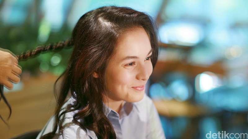 Penampilan si Cantik Chelsea Islan Sebelum Dandan