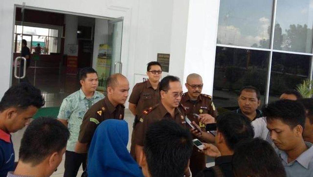 Kejari Rohil Riau Tahan 4 Orang Terkait Korupsi APBD Rp 2 Miliar