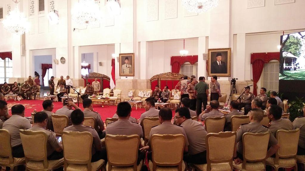 Jokowi Kumpulkan Seluruh Kapolda dan Kajati di Istana