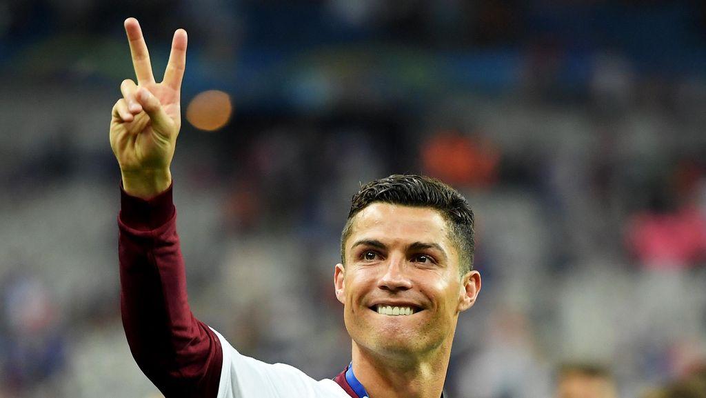Drogba Sebut Ronaldo Pantas Menangi Ballon dOr