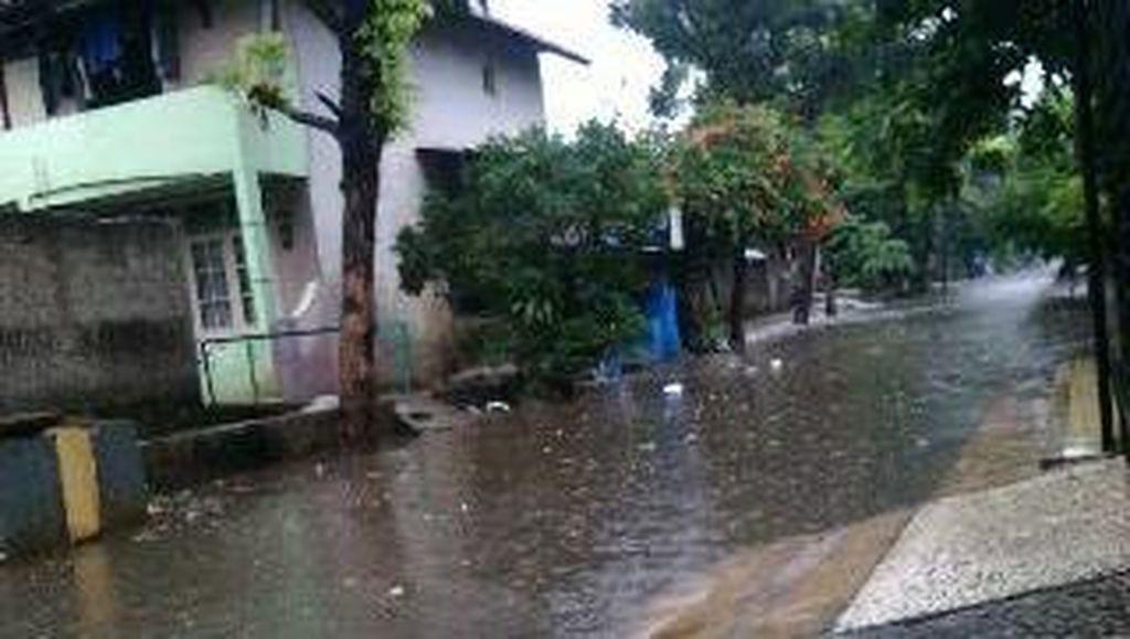 Hujan Deras, Kompleks Polri Jl Pondok Karya Tergenang 20 Cm
