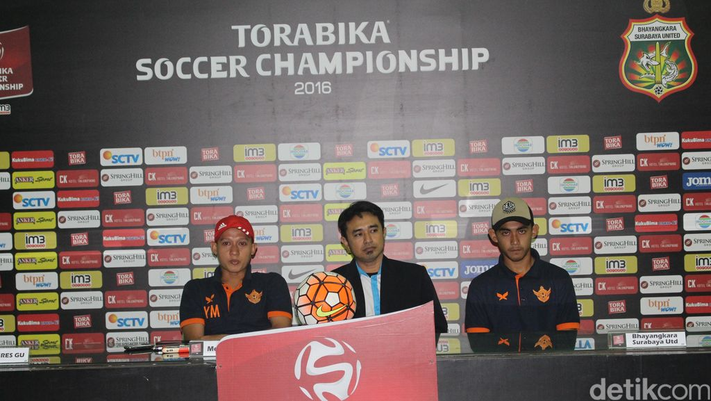 Sambangi Surabaya United, Persegres Incar Satu Poin