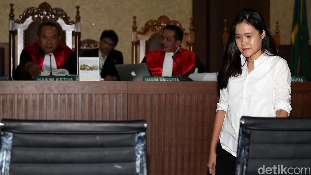 Kasir Kafe Olivier: Tidak Pernah Ada yang Closed Bill Sebelum Pesanan Diantar