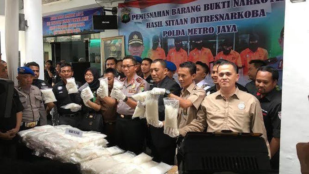 Polda Metro Jaya Musnahkan 81 Kg Sabu dan 23 Kg Ganja