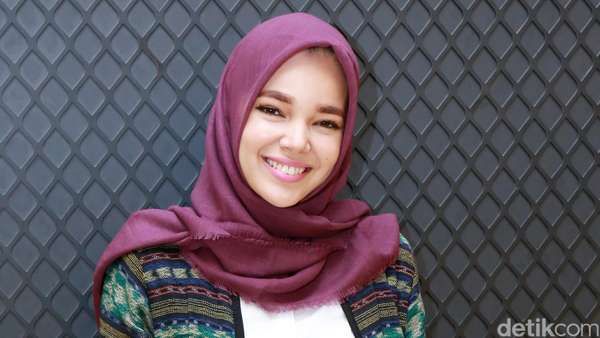 Pesona Dewi Sandra