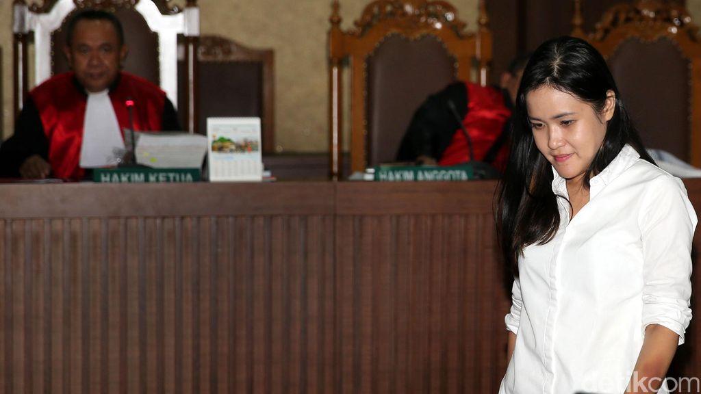 Manajer Olivier Bersaksi untuk Jessica, Akan Ungkap Sedotan Kopi yang Hilang?